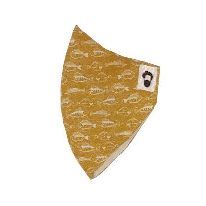 Lateral de mascarilla para barbudos de color mostaza con diseño de peces